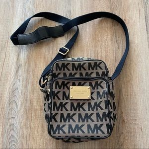 Michael Kors small classic Crossbody purse
